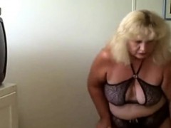sexy-blonde-granny-dances-live-on-spicygirlcam-com
