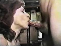no-hands-blowjob-with-swallow-donita
