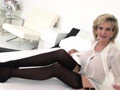 unfaithful-english-mature-gill-ellis-showcases-her-heavy-tit