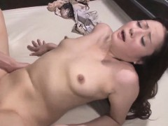 mizuki-ogawa-gives-head-before-experiencing-sex-on-cam