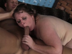chubby nympho sapphire sucks and fucks a thick penis with great desire