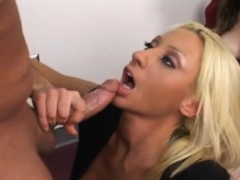 stacked-blonde-boss-reveals-her-amazing-oral-abilities-in-the-office