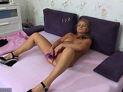 oldnanny-old-mature-doing-striptea-sheryl