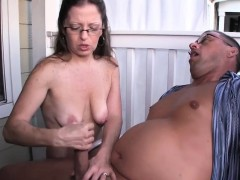 mature amateur spex lady rubs cock outdoors