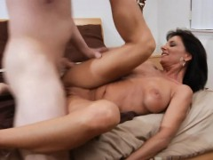 mama-is-fucking-hard-to-get-creampie-and-to-achieve-large-o