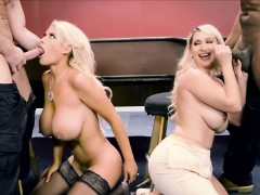 Two hot blonde wifes cheting husband with robbers