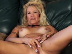 Blond Mama Housewife Yvette Willia Ellena From 1fuckdatecom