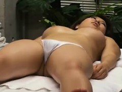 bodacious-japanese-beauty-surrenders-her-marvelous-body-to