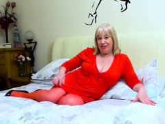 europemature-sexy-chubby-trisha-solo-masturbation