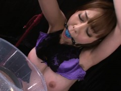 Taut Pussy Floozy In Oil Squirts Whilst Being Fingered