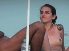 hot-sexy-college-girl-beach-voyeur-jiggly-ass-voyeur-hunter