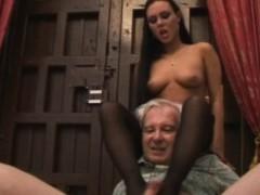 valentina-velasquez-gives-sensual-footjob-to-grandpa