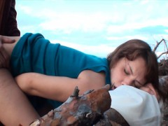 amateur-brunette-gets-fucked-on-the-beach