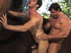 big-dick-bodybuilder-anal-sex-with-cumshot