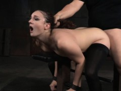Restrained Whore Spitroasted By Maledom Chicas Desnudas Violación