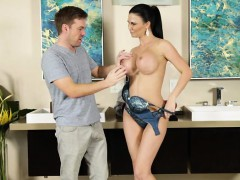 busty-and-gorgeous-jasmine-jae-gets-banged-by-ryan-ryder