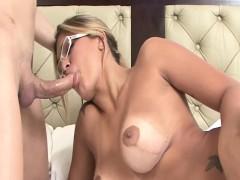 Laviny Albuquerque - Beautiful Tranny Ass Fucking A Latina