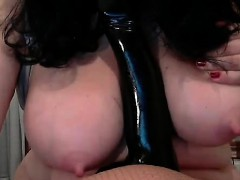 busty-bbw-milf-plays-with-her-hairy-pussy