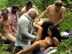 german-outdoor-fuck-party-orgy-mamie-from-dates25com