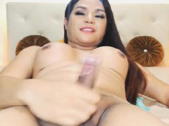 Lovely Shemale Love To Masturbate On Cam