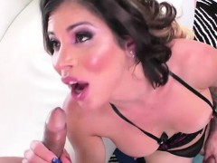 Busty Shemale Laela Meets His Hunk Chatmate And They Have Se
