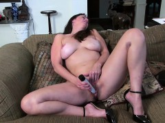 usawives-sexy-mature-rose-derive-satisfaction