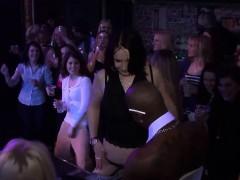 seductive-lassies-have-fun-in-the-club