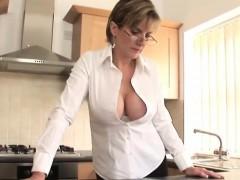 Cheating English Milf Lady Sonia Showcases Her Gigantic Natu