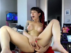 sexy-redhead-camwhore-plays-with-her-toy