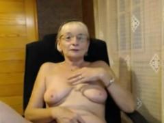 beautiful-horny-mature-masturbating-on-webcam