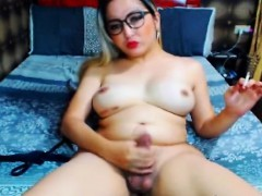 Sexy Tranny Babe Play Her Cock On Webcam
