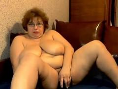 mega-bra-mature-on-webcam