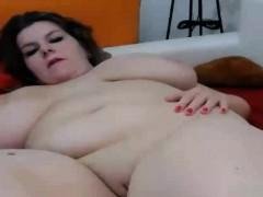 Webcam Curvy Brunette Masturbating