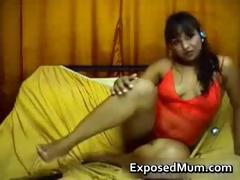 indian-milf-with-small-jugs-strips-part6