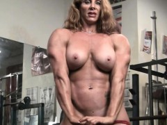 naked-female-bodybuilder-sexy-red-headed-muscle