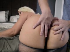 brazzers-big-butts-like-it-big-my-stepmo