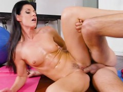 man-fucking-a-lovely-taut-milf-in-her-worked-out-wet-crack