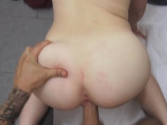 briar-dropped-her-neck-down-to-suck