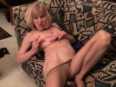 next-door-gilfs-from-the-usa-claire-bossy-and-april