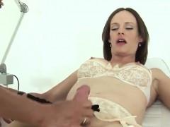 unfaithful-english-milf-lady-sonia-flaunts-her-gigantic-boob