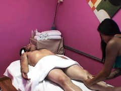 Extra Curvy Playgirl Gives Massage Than Goes Smutty