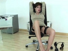 Unfaithful Uk Mature Lady Sonia Shows Her Enormous Melons19h