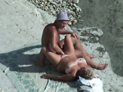 voyeur-on-the-beach-7-couple-fuck-on-the-beach