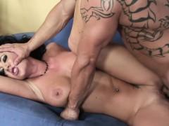 Jayden Shows Off Her Hot Ass And Fucks
