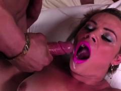 beautiful-tranny-camilla-loves-anal-sex