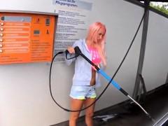 kundin laesst sich in der autowaschanlage ficken und besamen WWW.ONSEXO.COM