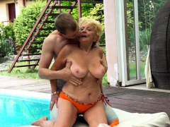 euro granny with bigtits gets penetrated outdoors WWW.ONSEXO.COM