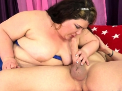 Chubby Tart Sucks A Dick And Takes It In Her Cunt