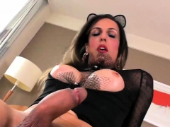 Big Tits Mature Tranny Dildoing Her Anal And Jerks Off