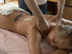 Cutie Welcomes Stud's Bawdy Cleft Plowing After Sexy Massage